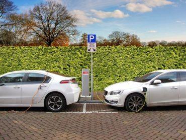 Auto elettrica vantaggi svantaggi